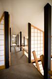柱の縦のラインと障子の組み合わせは、有数の設計士がデザイン。