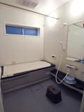 新しいバスルームは寒さ知らずでゆったりポカポカ。