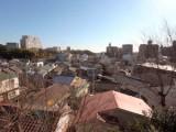 2階の窓からは藤沢の街が一望。