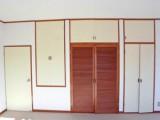 2階の洋室にある収納はパズルのような配置が面白い。