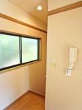 2階にいてもインターホンで来客の応対ができる。