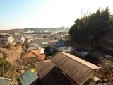 2階のバルコニーから藤沢の街を望む。