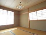 2階の和室。いい味を出している渋い色合いがグー。