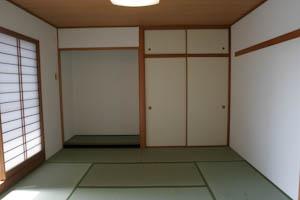 リビングからつづく8.3帖の和室。