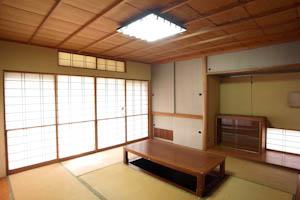 広々とした和室。冬は掘りごたつでぬくぬくと。