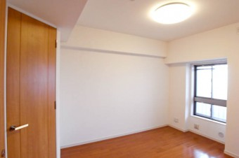 6帖の洋室にはウォークインクローゼット完備。
