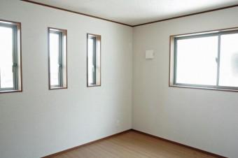 3連窓の6.1帖洋室