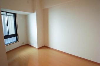 5.2帖の洋室は壁が一部斜めに。