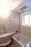 バスルームもほんわか甘い印象。
