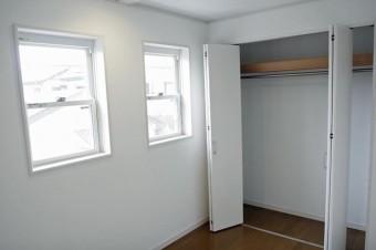 2階4.2帖洋室