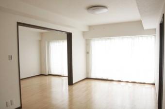 手前LDKと奥側6畳和室