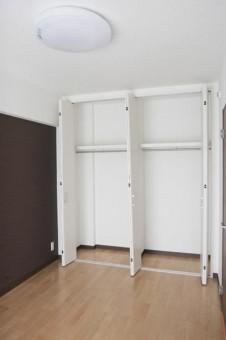 6畳洋室のクローゼット