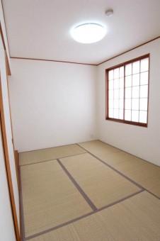 なんだかんだ言ったって落ち着く和室はマスト。