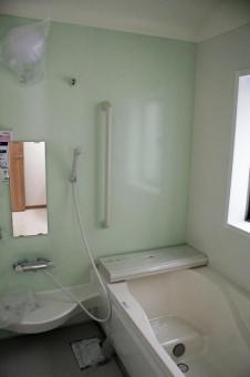 1坪で広々バリアフリーな浴室