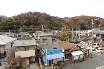 極楽寺の街並みを一望。