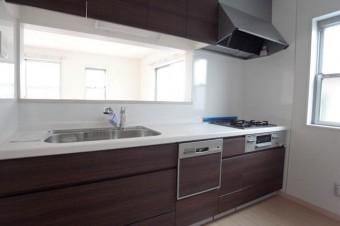 キッチンは申し分なしの設備。
