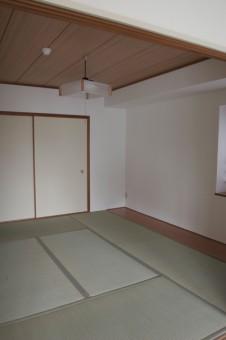 リビングに隣接した6帖和室