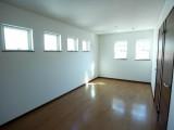現在は1室だが、間仕切りをつくれば4.5帖×2室に。