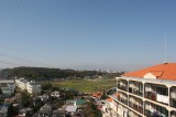 玄関側からの眺望。晴れた日は富士山がくっきり見える。