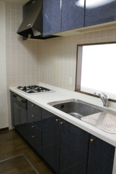 床下収納付き3.1帖システムキッチン