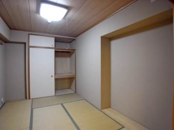 板畳が2カ所にあり。家具を置くのに重宝しそう。