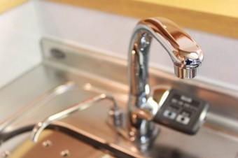 ビルトインの浄水器でスッキリした印象。